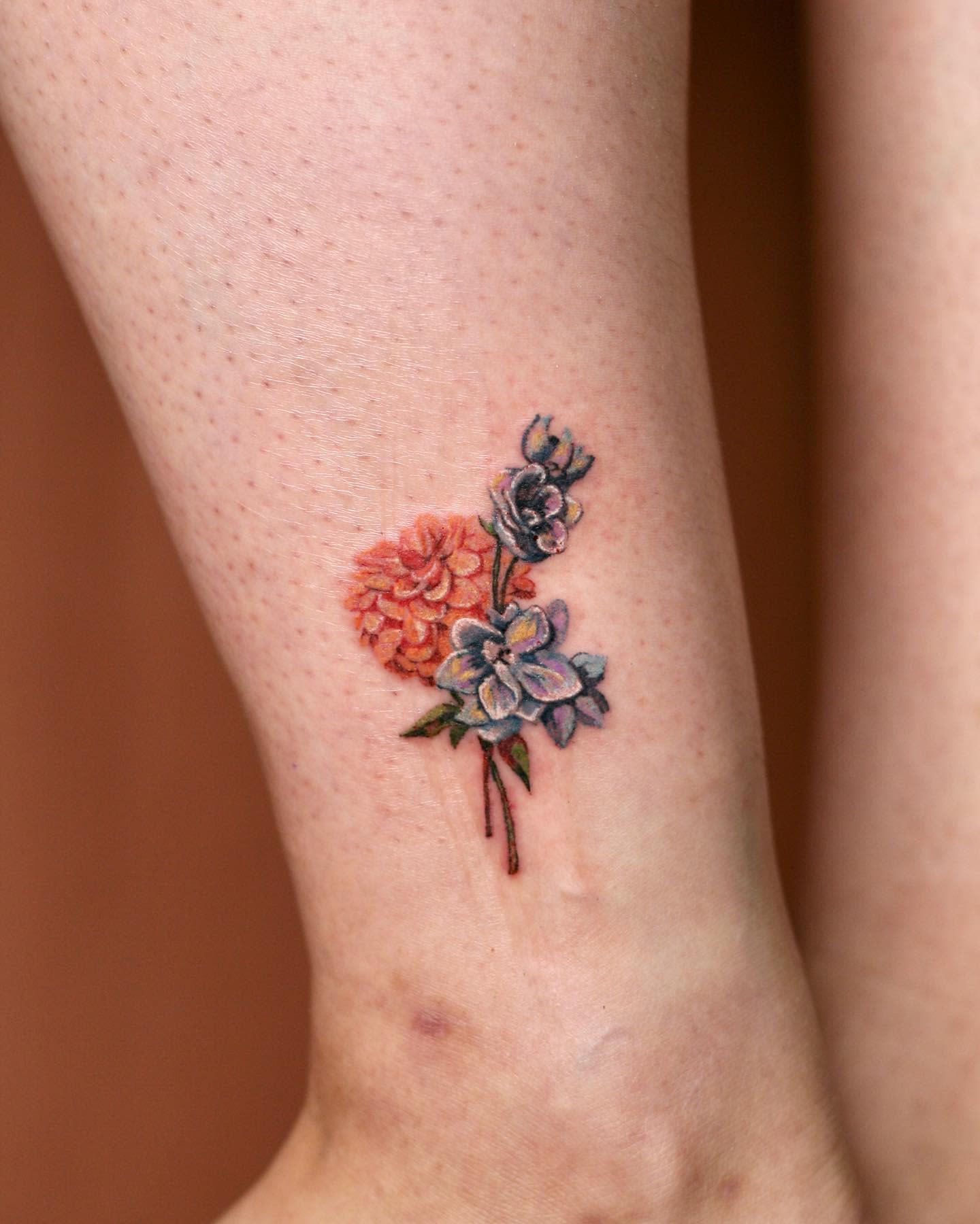 Small Dahlia Tattoo -1sle_tattoo