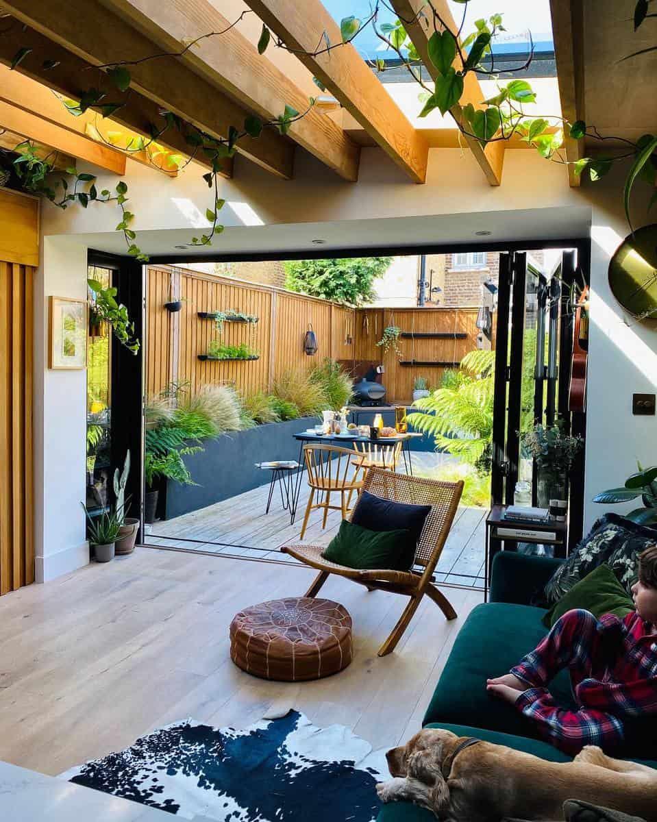 Decking Grass Free Yard Ideas -the_wooden_hill