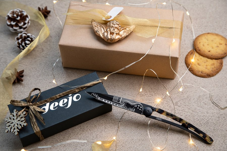 Deejo Knife Review – Is This The Best Gift for Men in 2020?