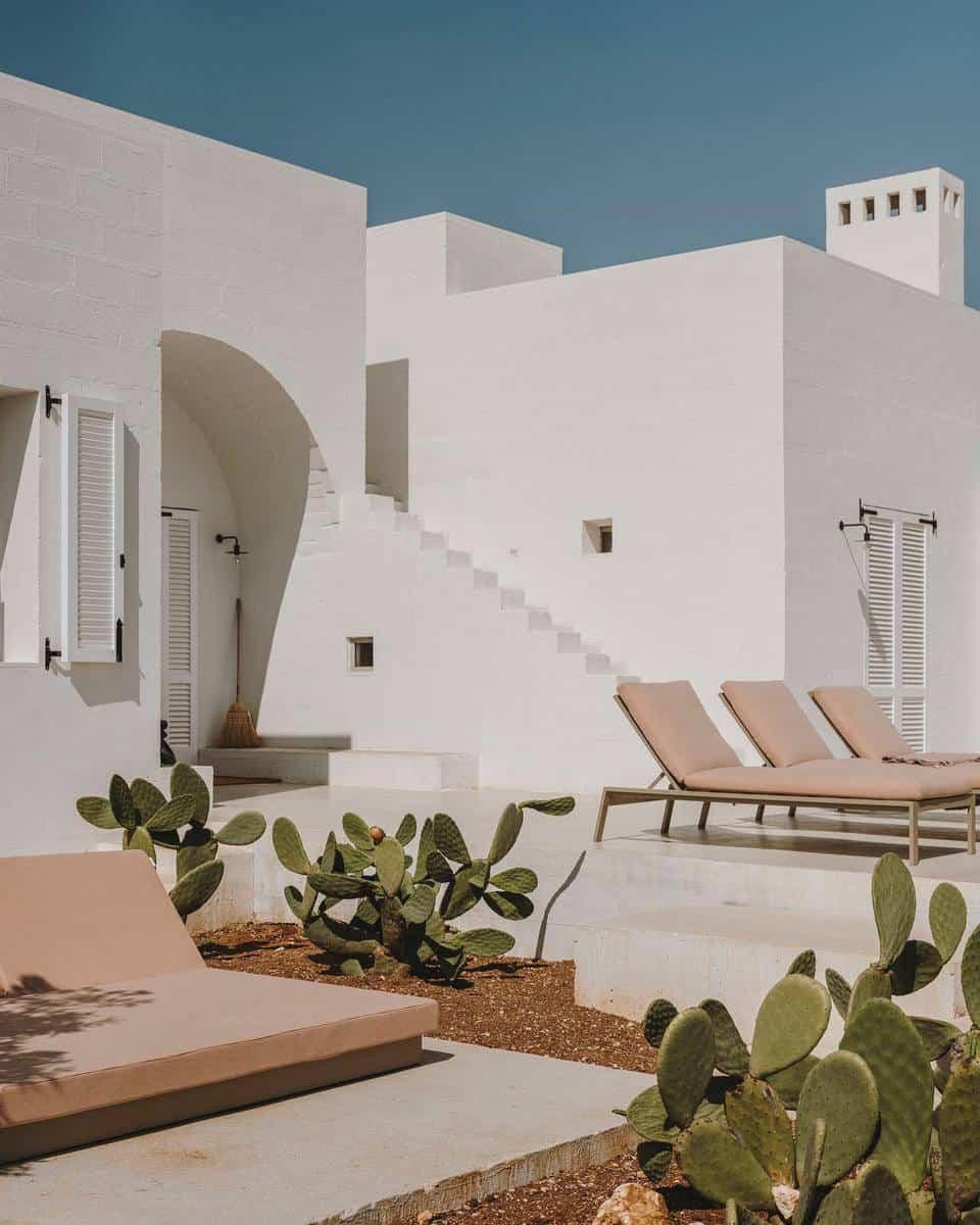 Desertscape Grass Free Yard Ideas -studioandrewtrotter