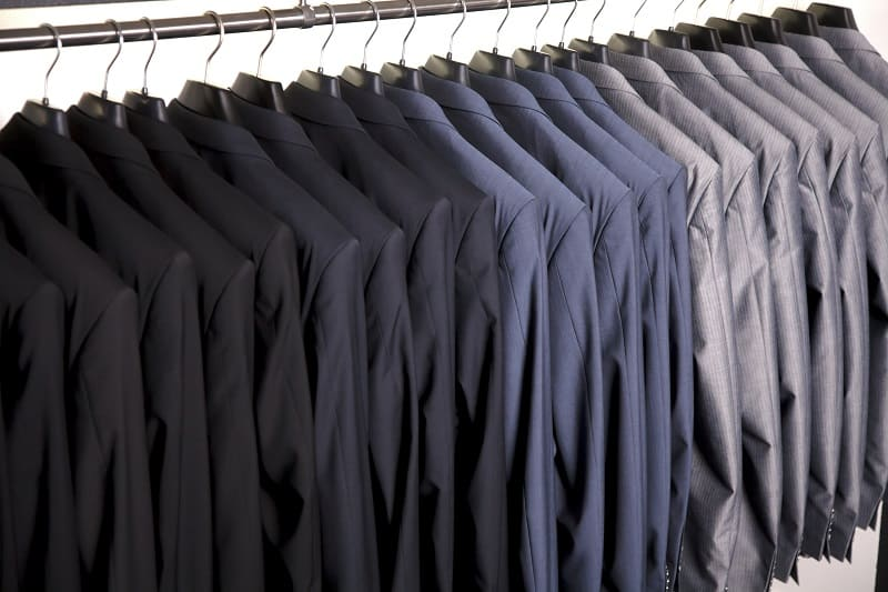 Differences-Between-a-Blazer-and-Suit-Jacket