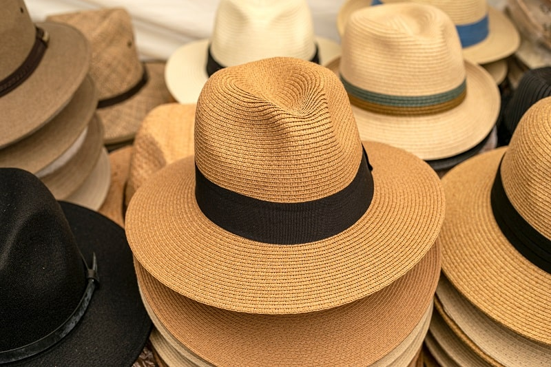 Differences-Between-a-Panama-Hat-and-a-Fedora
