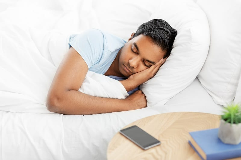 Ditch-the-Devices-To-Achieve-a-Good-Nights-Sleep