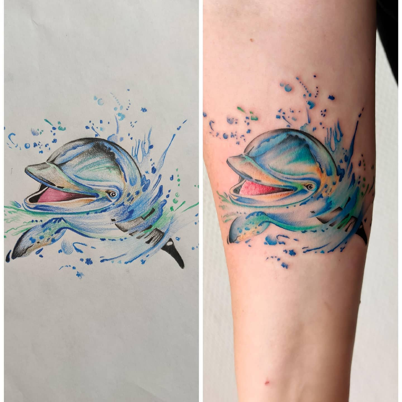Cute Dolphin Tattoo -lisalimatattoo