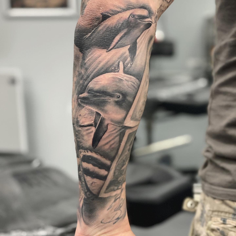 Realistic Dolphin Tattoo -brigi_fuzes_tattoo