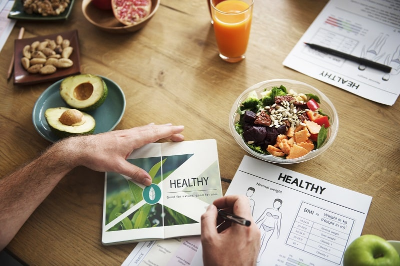 Eat-a-Healthy-Balanced-Diet-When-Counting-Calories