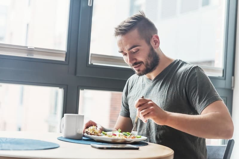 Eat a healthy breakfast – 100+ Plus Ways To Be A Better Man