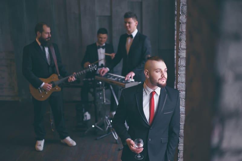 Events-Tuxedo-vs.-Suit