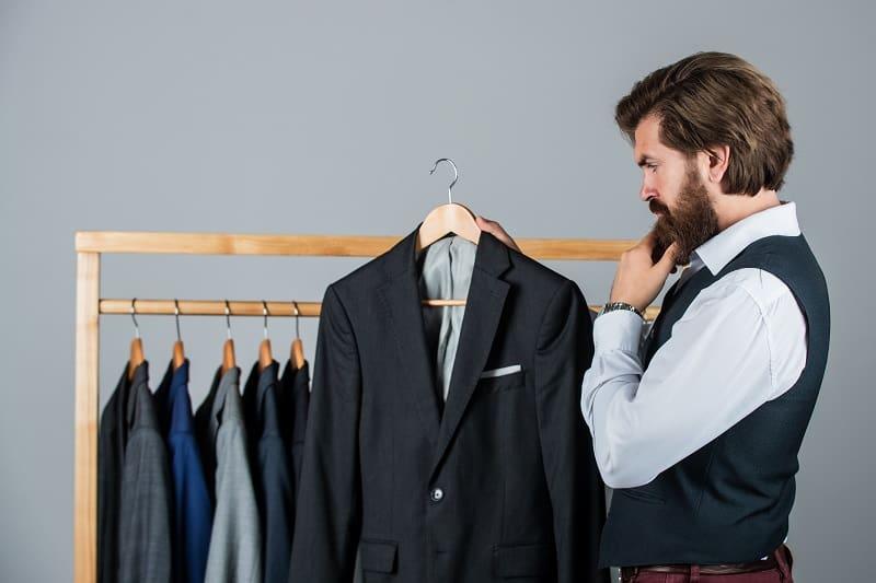 Fabric-Tuxedo-vs.-Suit