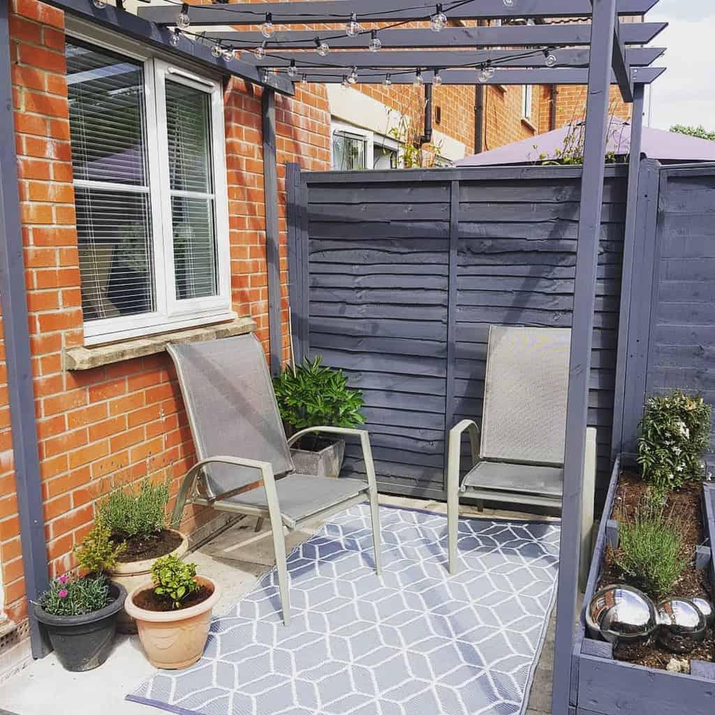 Fence Deck Privacy Ideas -thepinkfrontdoor