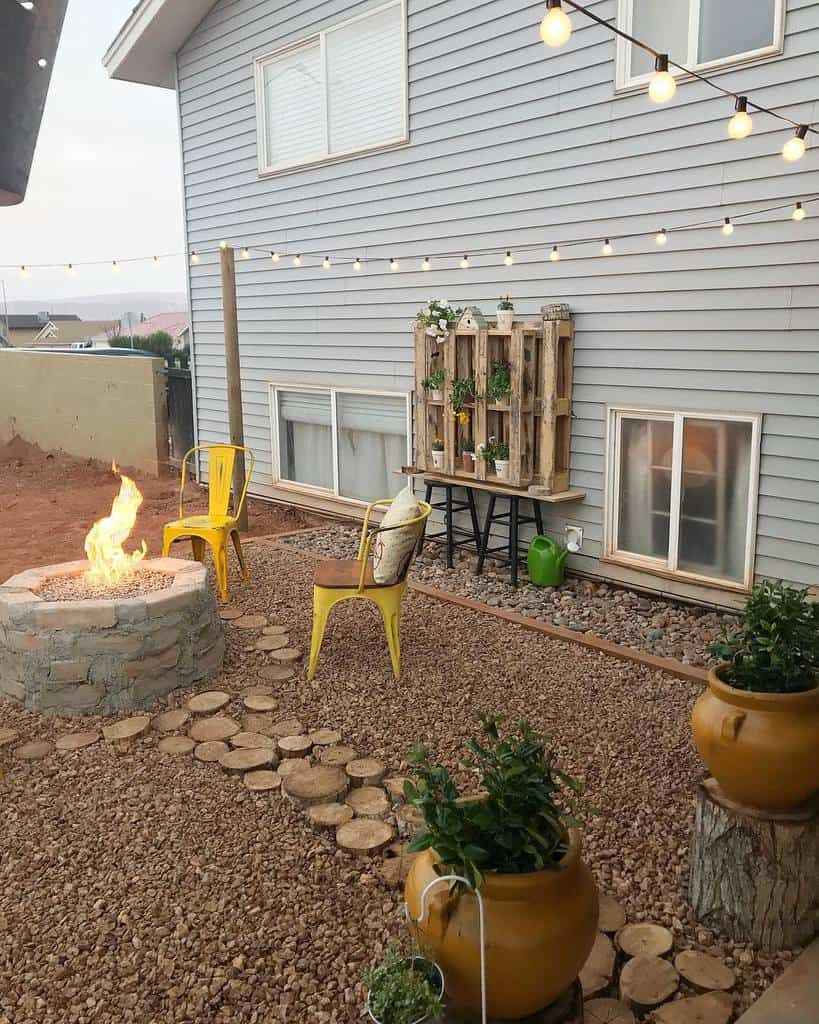 Firepit DIY Backyard Ideas -craftomaniac