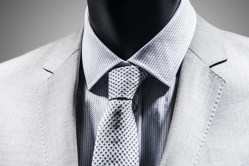 Full-Windsor-Knot