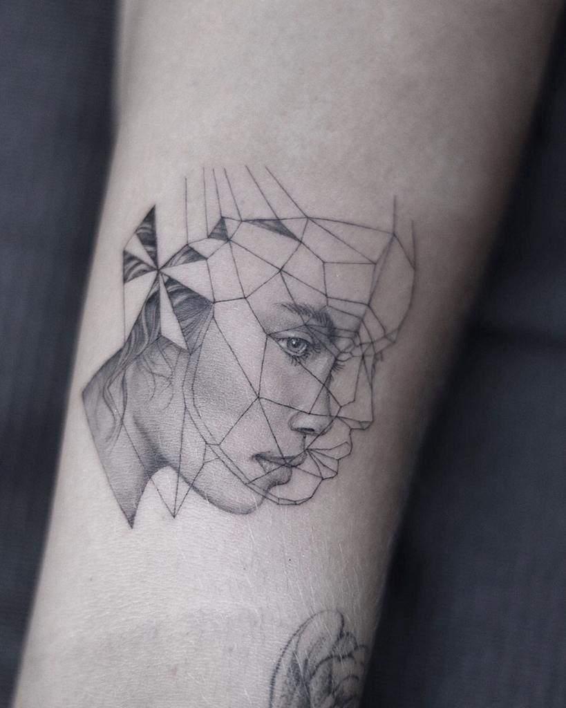 geometric-fineline-dainty-portrait-single-needle-tattoo-oc_tatt