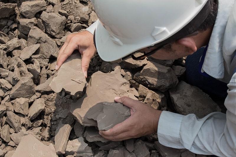 Geologist - Best Outdoor Jobs For Outdoorsmen