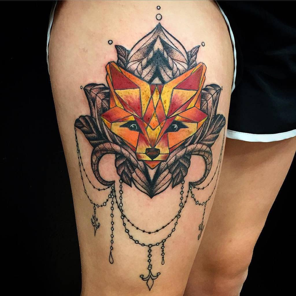 Geometric Fox Thigh Tattoo 2 kaiaelise