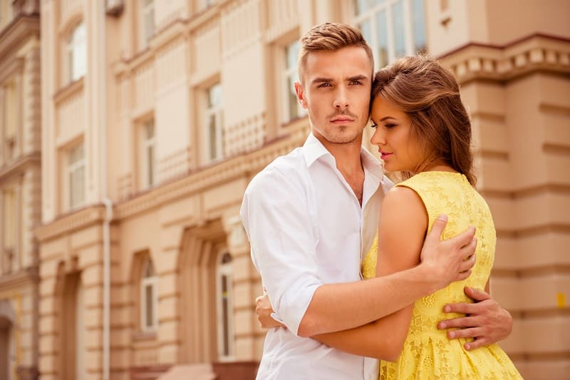 Girls-Find-Attractive-In-Men-Who-Are-Protective