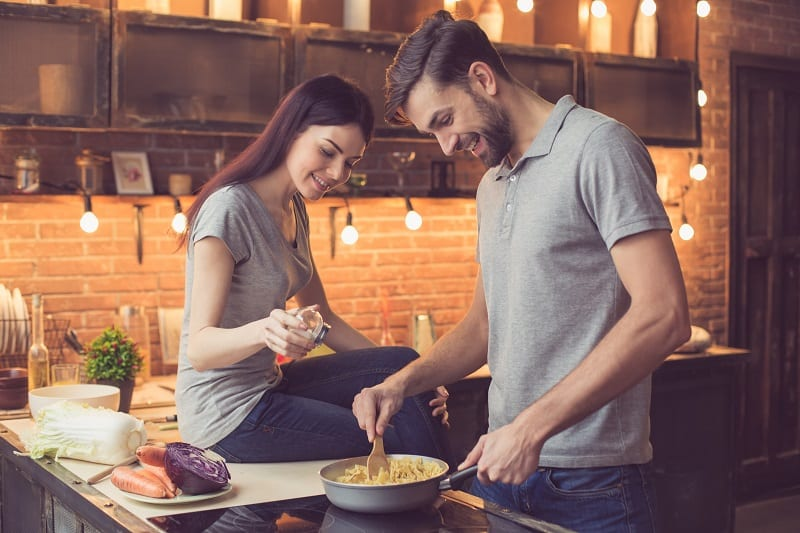 Girls-Find-Attractive-In-Men-Who-Can-Cook