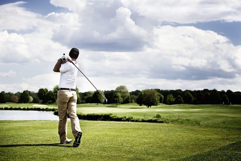 Golfing-Hobbies-For-Men
