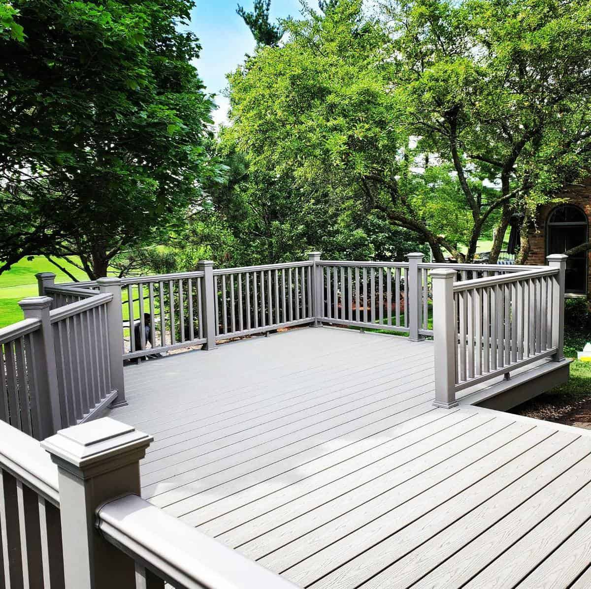 Gray Deck Color Ideas -mitcondecks