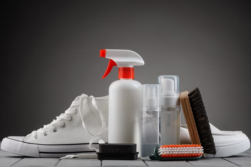 A Comprehensive Guide To Cleaning Your White Sneakers