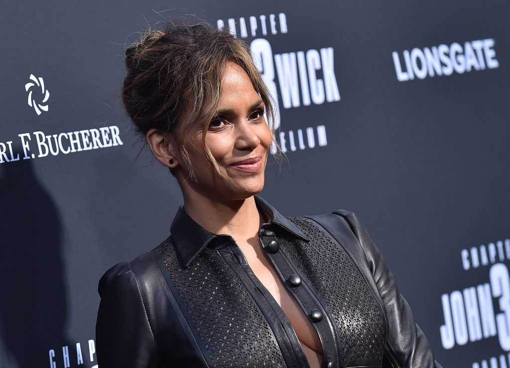 Halle Berry's Tattoo and Semi Permanent Ink – [2020 Celebrity Ink Guide]