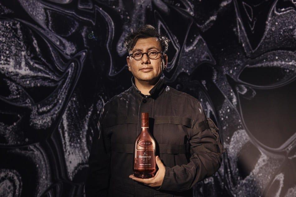 Hennessy-VSOP-Privilege-Limited-Edition-by-Refik-Anadol-1