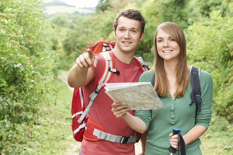 Hiking-Best-Hobbies-For-Couples