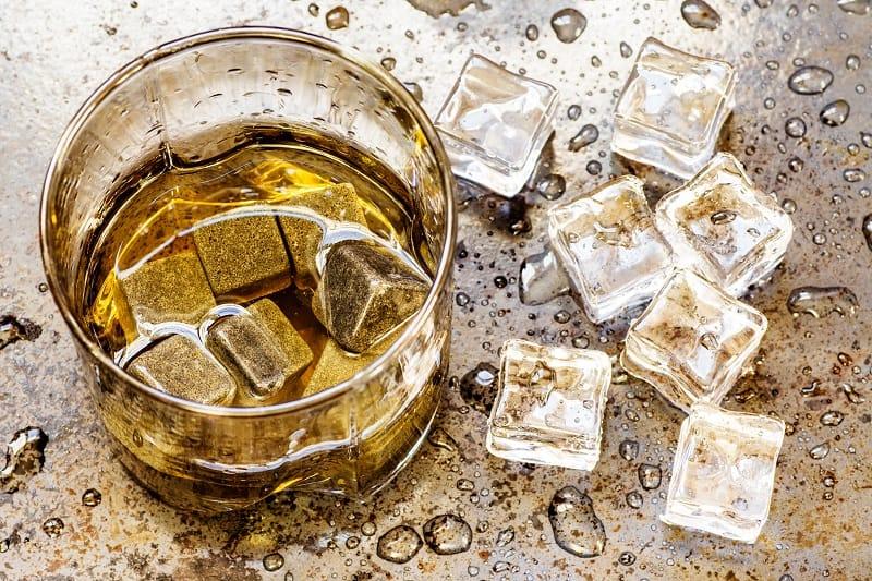 How-Do-Whiskey-Stones-Work