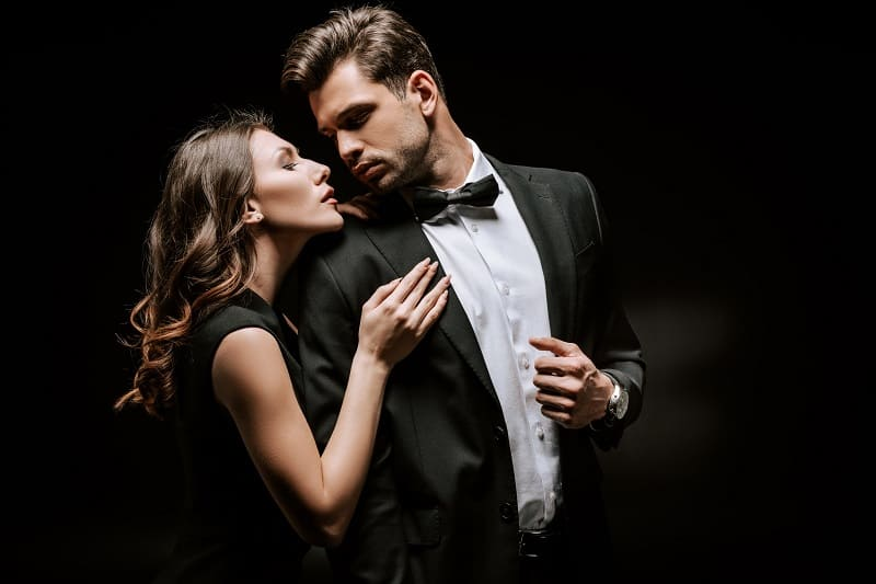How To Be Attractive To Women – The 10 Laws of Desirability