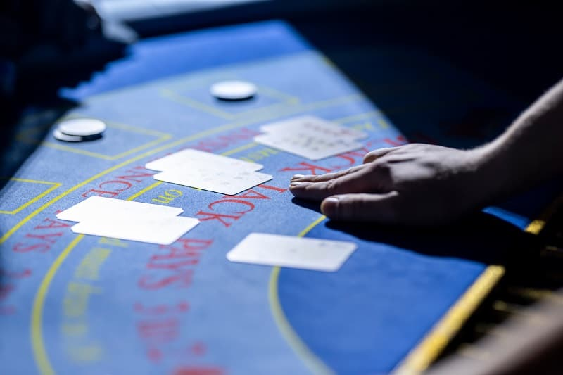 If you are losing don't press your bets - BlackJack Strategy