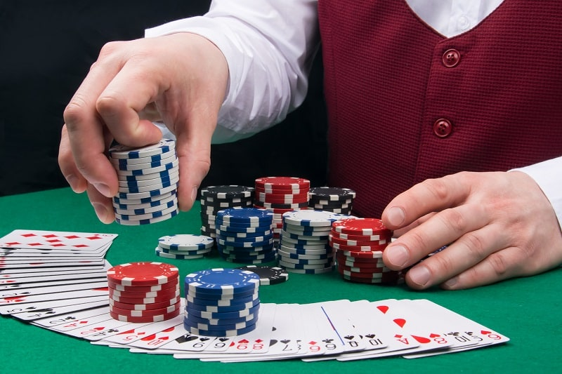 If you're not willing to increase your bets when you are winning, you will never make monkey - BlackJack Strategy