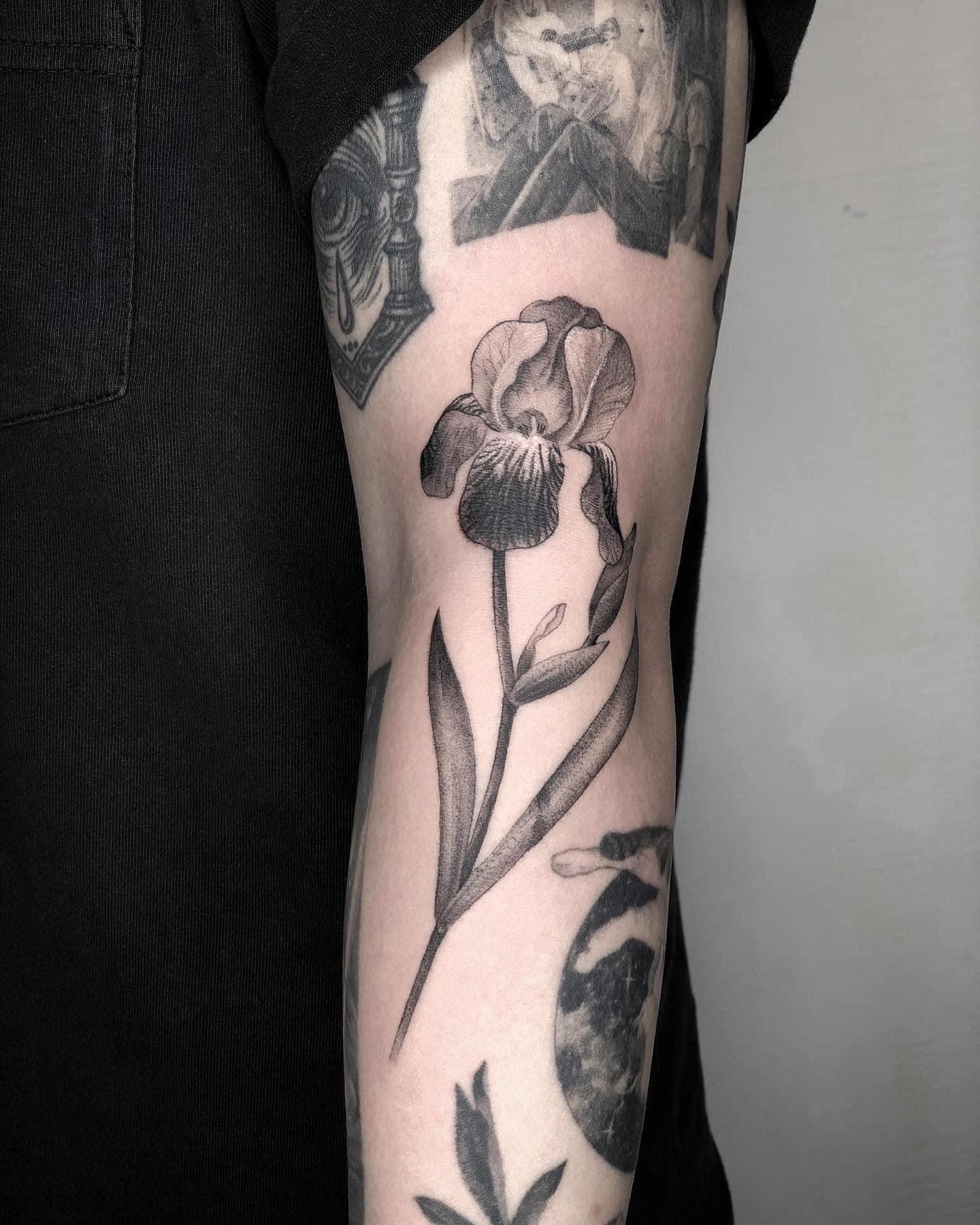 Black Iris Tattoo -goodboyztaipei