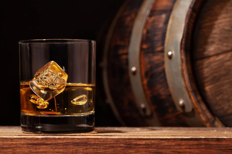 Is-there-a-difference-between-whisky-and-whiskey