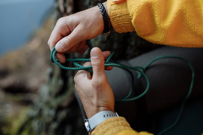 Keep-Rope-On-Hand-Tactics-And-Techniques-To-Master-Wilderness-Survival
