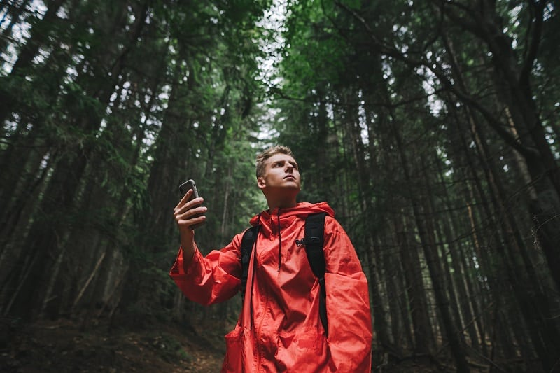 Keep-Your-Cell-Phone-Tactics-And-Techniques-To-Master-Wilderness-Survival