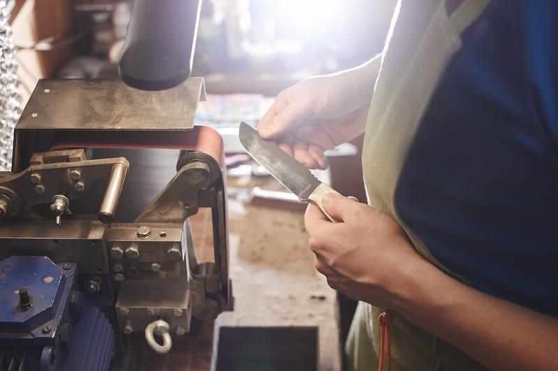 Knife-Making-Hobbies-For-Men