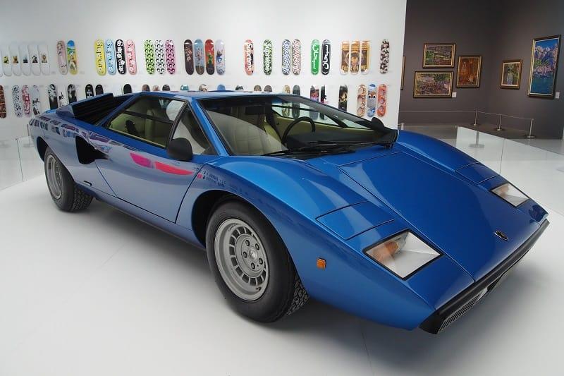 Lamborghini-LP400