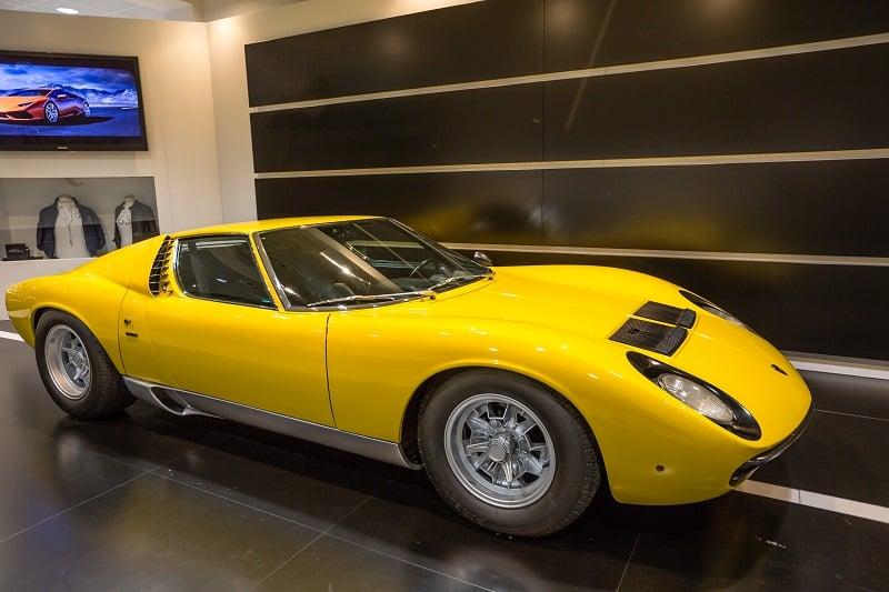 Lamborghini-Miura-SV
