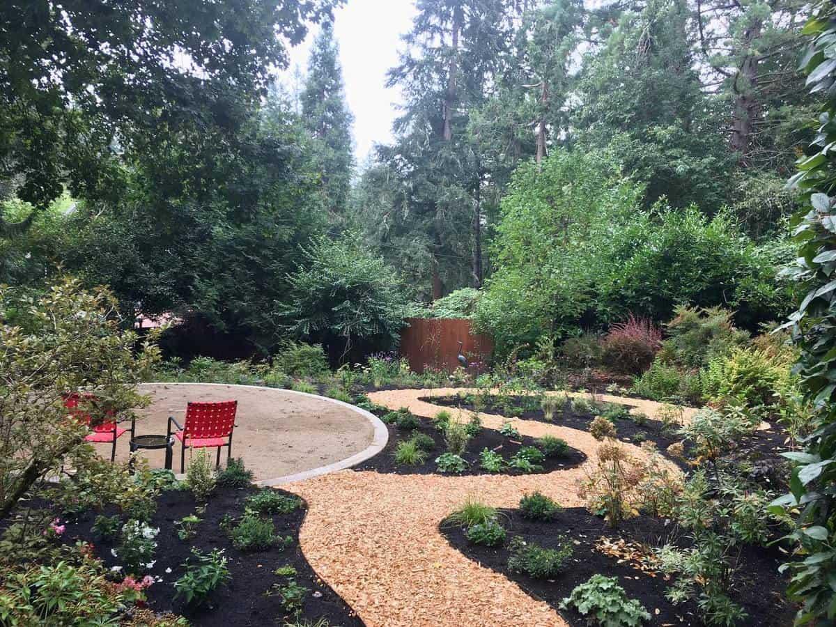 Landscaped Garden Grass Free Yard Ideas -whole.gardens.nw
