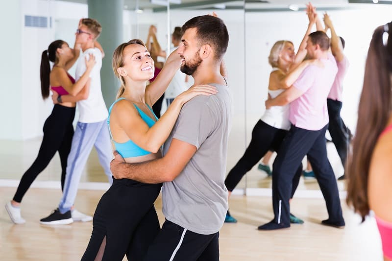 Learn-to-Dance-The-Best-Hobbies-For-Men-In-Their-20s