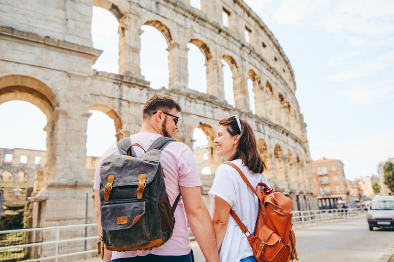 Let-Go-of-Judgement-To-Travel-With-a-Partner-Without-Breaking-Up