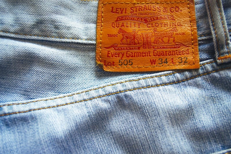 Levi's 505 Regular Fit vs. Levi's 505 Straight Fit: Everything You Need To Know