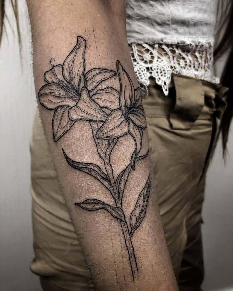 Linework Lily Tattoo Organic.black