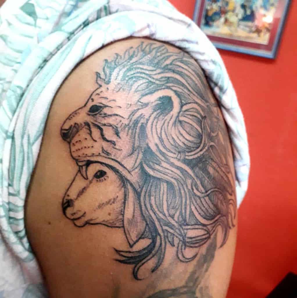 Lion and Lamb Shoulder Tattoo tattoo.montenegro