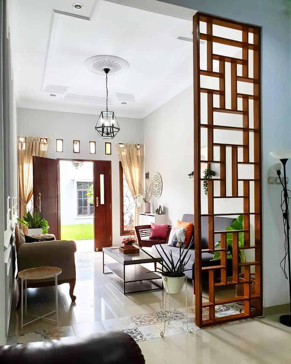 Living Room Temporary Wall Ideas -yohana_heryanti