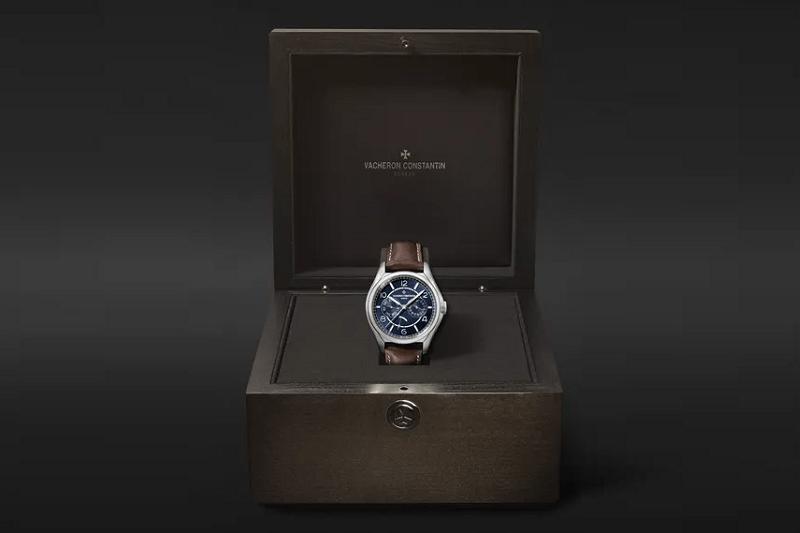 MR PORTER Exclusive Vacheron Constantin Fiftysix Day-Date Timepiece 3