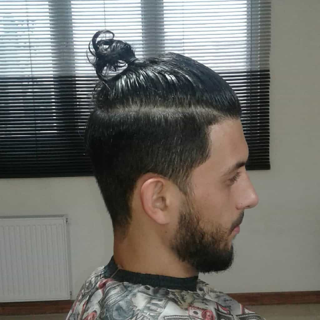 Men's High Ponytail Hairstyle