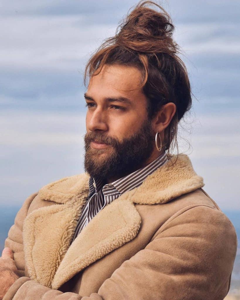 Men's Ponytail Man bun Hairstyle