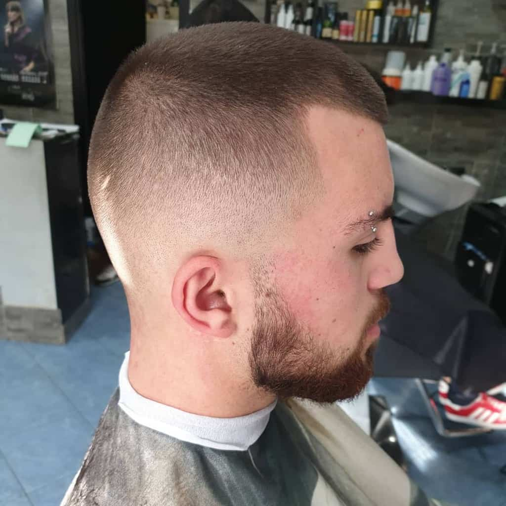 Men's Butch Haircut With Evenly Trimmed Hair All Through