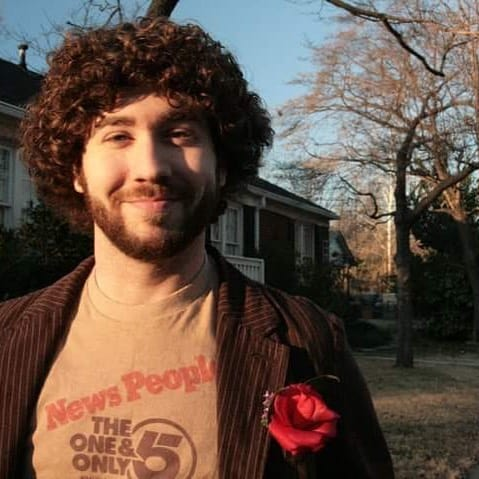 Men's Min Jewfro Haircut With Medium Length Curls All Around The Head